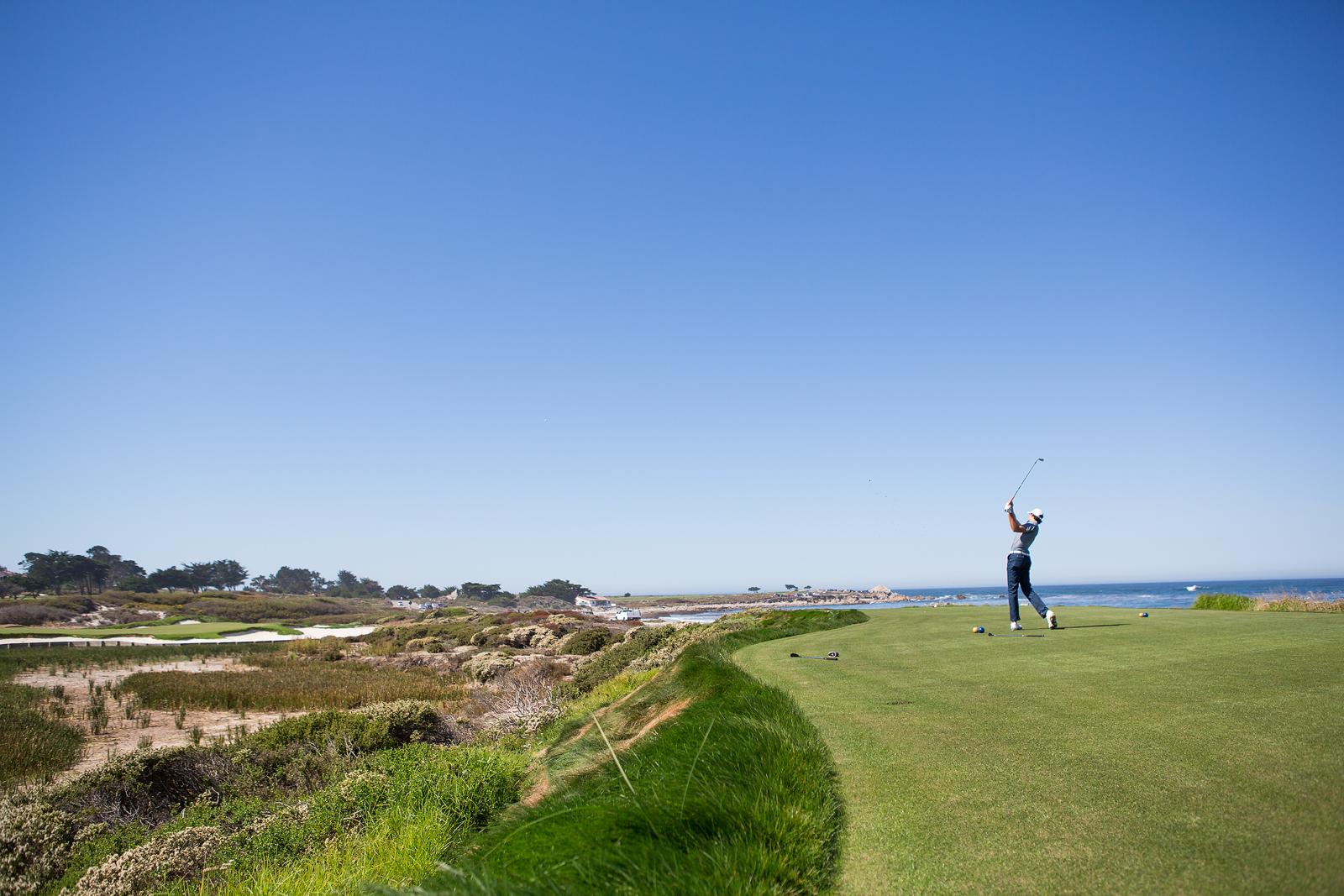 Ocean side golf hole